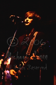 Dave Davies in the shadows 'mystical' [The Kinks - Louisville Gardens 1980]