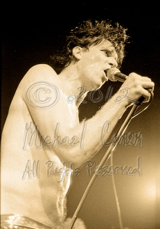 Lux Interior closeup shirt off 2 [The Cramps - I Beam, SF July, 1986]
