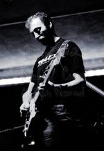 Michael Conen - Richard Thompson electric closeup vertical [Ric