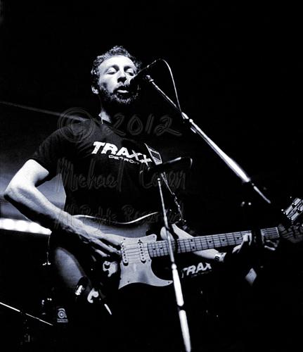 Michael Conen -  Richard Thompson singing with electric gtr clos