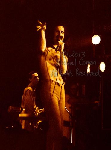 Michael Conen - [PROOF] Frank Zappa & Adrian Belew behind [Frank