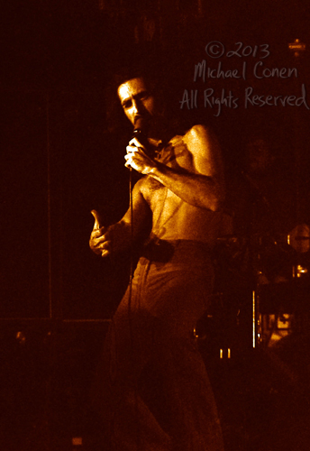 Michael Conen - [PROOF] Frank Zappa thumb gesture [Frank Zappa -
