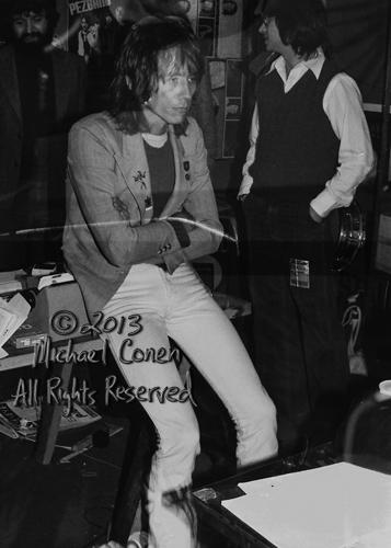 Michael Conen - [PROOF] Ivan Kral backstage looking glum [Patti