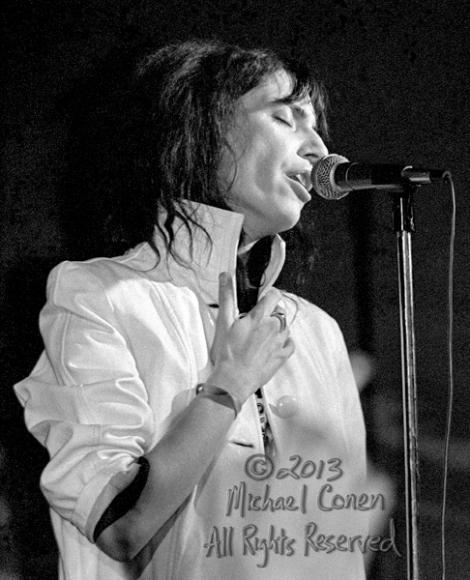 Michael Conen - [PROOF] Patti Smith hands RE - Close up [Patti S