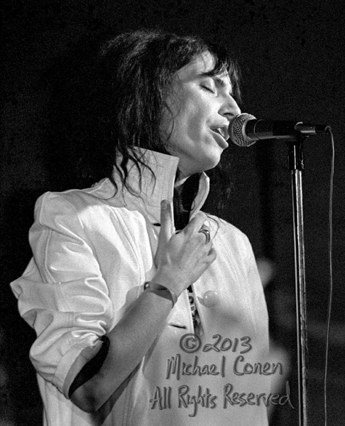 Michael Conen - [PROOF] Patti Smith hands RE - Close up [Patti S