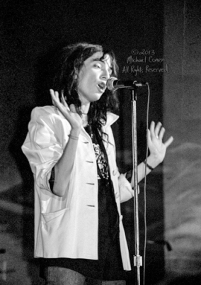 Michael Conen - [PROOF] Patti Smith hands waving RE [Patti Smith