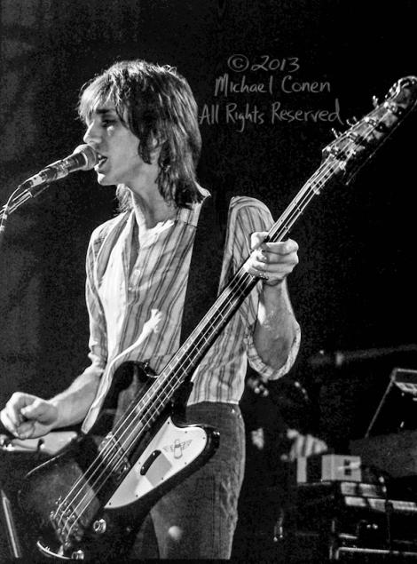 Michael Conen - [PROOF] Ivan Kral on bass LG [Patti Smith Group