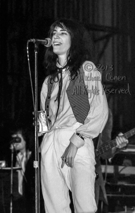 Michael Conen - [PROOF] Patti Smith has a scratch LG [Patti Smit
