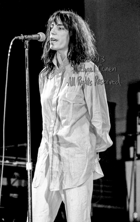Michael Conen - [PROOF] Patti Smith relaxed vertical LG [Patti S