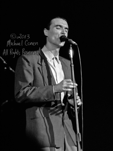 Michael Conen - [PROOF] David Byrne at mic eyes closed [Talking