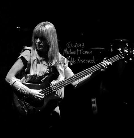 Michael Conen - [PROOF] Tina Weymouth and electric bass closeup
