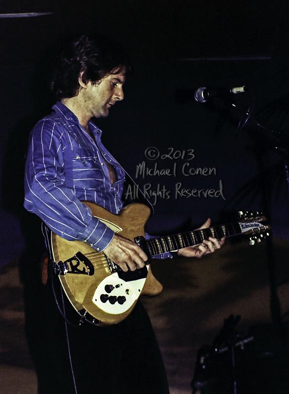 Michael Conen - [PROOF] Roger McGuinn vertical no 4 LG [Roger Mc