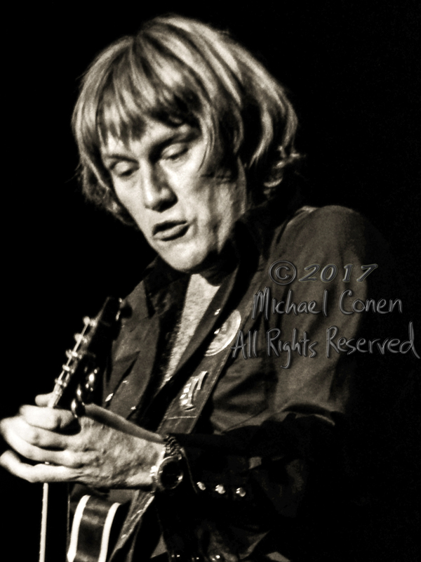 Michael Conen - [PROOF] Alvin Lee closeup LG [Alvin Lee & Mick T