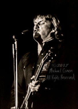 """Alvin Lee & Mick Taylor Louisville Gardens Louisville, Kentucky 12-9-81 *** These photos were taken on print film, and then digitally scanned at 2000 dpi. All images viewed here are """"proofs"""" of the negatives. Serious inquiries regarding further publication will be entertained. Any further use requires permission from the photographer; Michael Conen Please contact me with comments, questions, etc. at michaelconen@tutanota.com"""