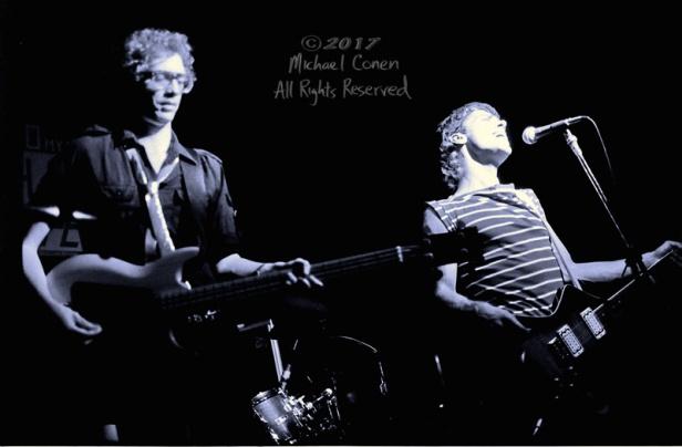 Michael Conen - [PROOF] bassist & guitarist singing horizontal [
