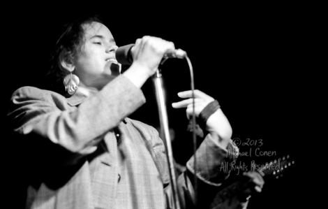 Michael Conen - [PROOF] Natalie Merchant clutching cloth horizon