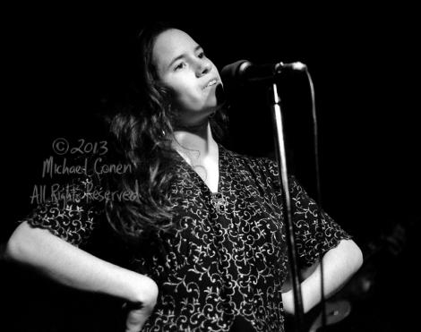 Michael Conen - [PROOF] Natalie Merchant hands on hips horizonta