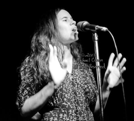 Michael Conen - [PROOF] Natalie Merchant palms open [10,000 Mani