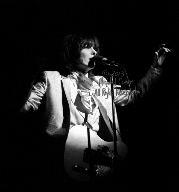 Michael Conen - [PROOF] Chrissie Hynde in spotlight LG [The Pret